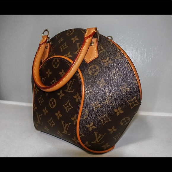 Louis Vuitton Handbags - 🎀 AUTHENTIC LOUIS VUITTON ELLIPSE 🎀